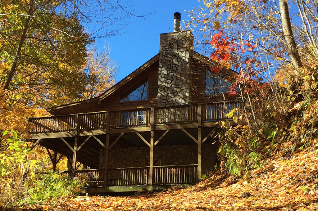 Cabin-in-Fall-from-Creekview